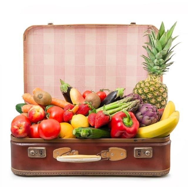 How to stay on the healthy food wagon when you travel